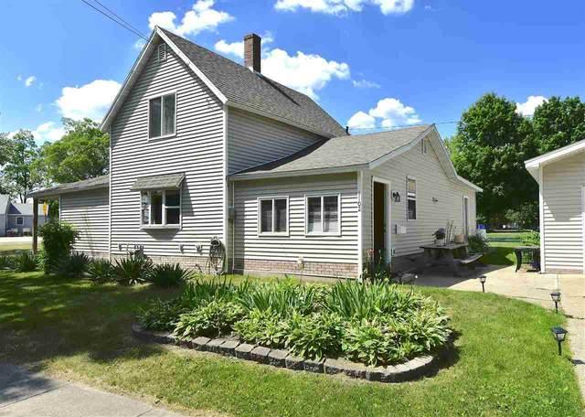 1102 Elm St, Wisconsin Dells, WI 53965 (#1911473) :: Nicole Charles & Associates, Inc.