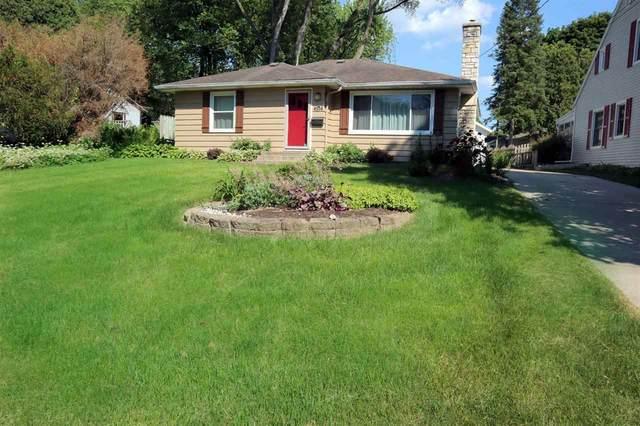 4514 Shore Acres Rd, Monona, WI 53716 (#1911622) :: Nicole Charles & Associates, Inc.