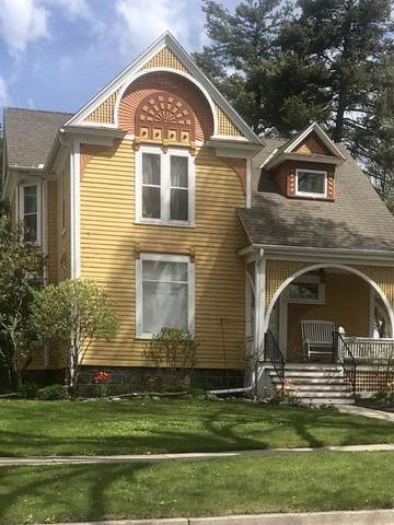 199 E Park Ave, Green Lake, WI 54923 (#1911652) :: HomeTeam4u