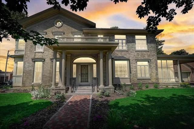 410 S 4th St, Watertown, WI 53094 (#1911694) :: Nicole Charles & Associates, Inc.