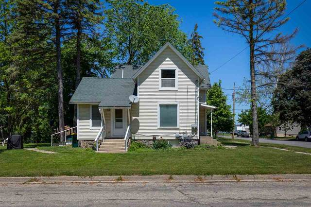 501 Clarence St, Fort Atkinson, WI 53538 (#1911733) :: Nicole Charles & Associates, Inc.