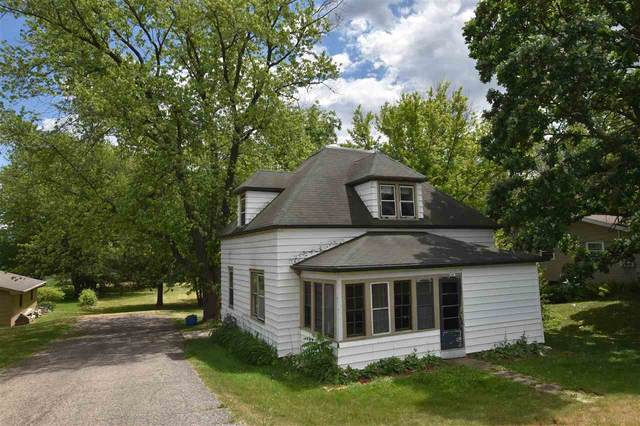 624 N Lawson Dr, Green Lake, WI 54941 (#1911996) :: Nicole Charles & Associates, Inc.