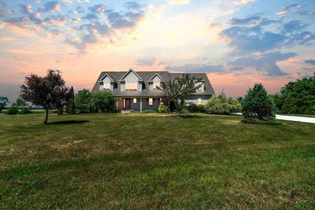 8632 N Stone Farm Rd, Fulton, WI 53534 (#1912128) :: Nicole Charles & Associates, Inc.