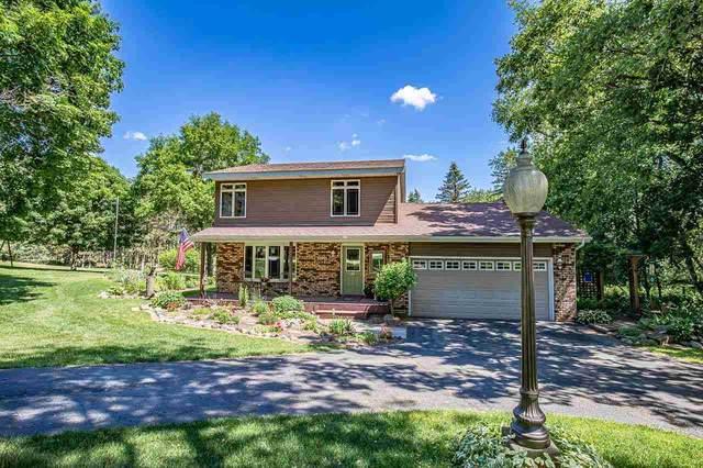 3560 Heatherstone Ridge, Windsor, WI 53590 (#1912251) :: Nicole Charles & Associates, Inc.