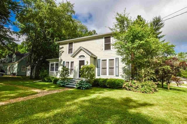 395 Lake St, Green Lake, WI 54941 (#1912290) :: Nicole Charles & Associates, Inc.