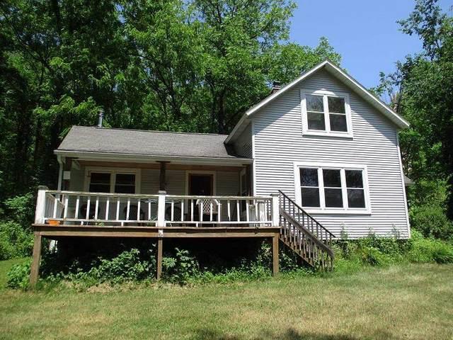 E2608 Hickory Glen Rd, Washington, WI 53937 (#1912370) :: Nicole Charles & Associates, Inc.