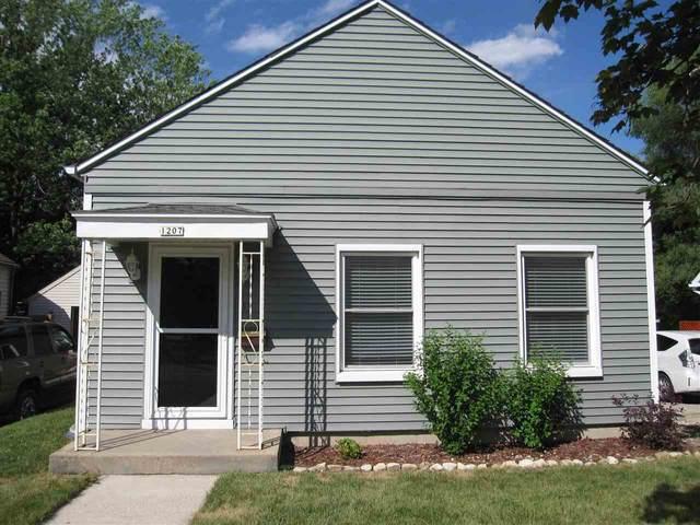 1207 W Wisconsin St, Portage, WI 53901 (#1912719) :: Nicole Charles & Associates, Inc.