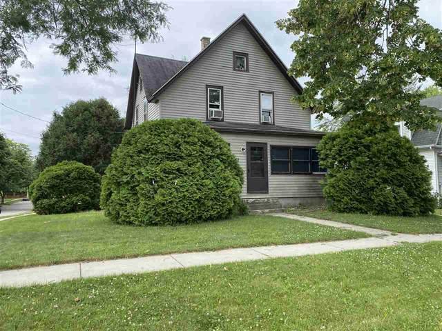801 Van Buren St, Fort Atkinson, WI 53538 (#1912905) :: RE/MAX Shine