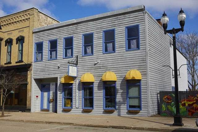 538 W Water St, Princeton, WI 54968 (#1912959) :: Nicole Charles & Associates, Inc.