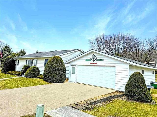 703 Stone St, Other, IA 52135 (#1912975) :: RE/MAX Shine