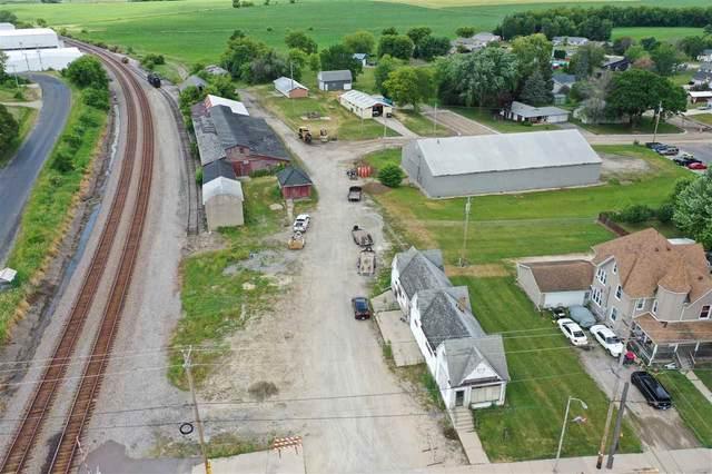 102 N Main St, Reeseville, WI 53579 (#1913029) :: HomeTeam4u