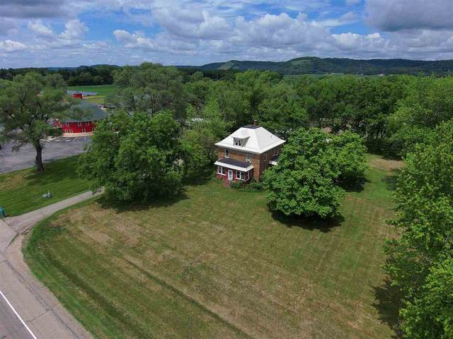 E4842 Hwy 14, Spring Green, WI 53588 (#1913145) :: RE/MAX Shine