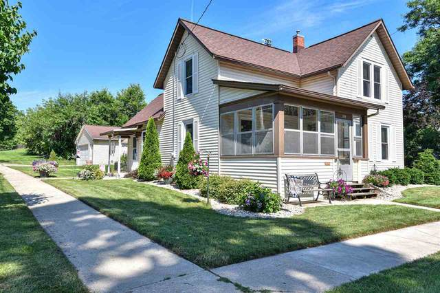 528 East St, Fort Atkinson, WI 53538 (#1913523) :: RE/MAX Shine