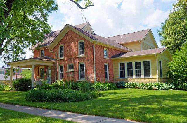 104 N 3rd St, Mount Horeb, WI 53572 (#1913536) :: RE/MAX Shine