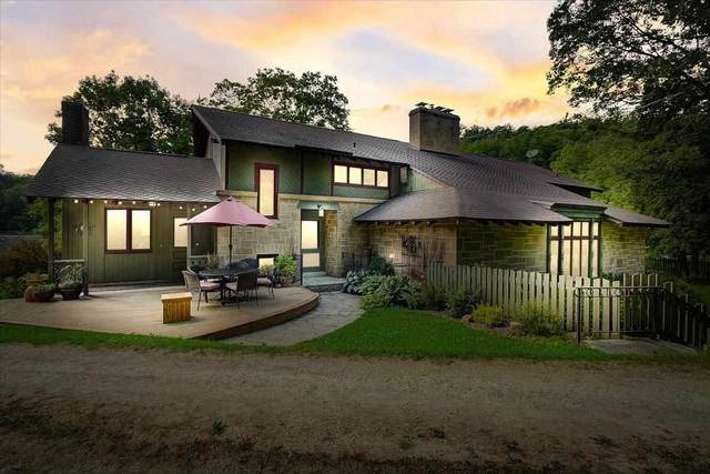 3576 County Road Jg, Blue Mounds, WI 53517 (#1913681) :: RE/MAX Shine