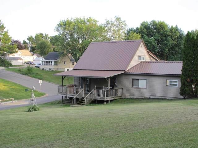 1005 Pine Ave, Hillsboro, WI 54634 (#1913829) :: RE/MAX Shine