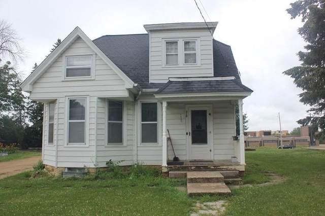 310 S Hickory St, Platteville, WI 53818 (#1913981) :: HomeTeam4u