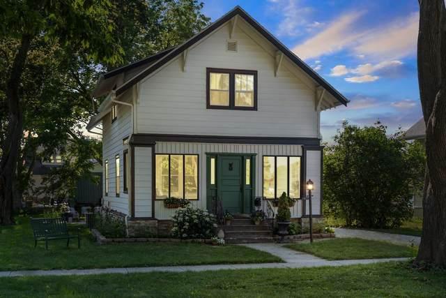 318 N Broad St, Elkhorn, WI 53121 (#1914280) :: RE/MAX Shine