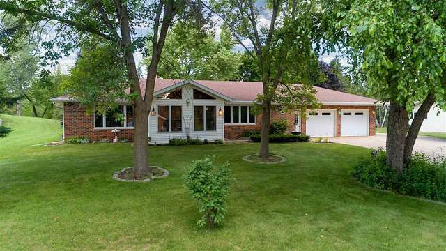 388 Palmer Ave, Green Lake, WI 54941 (#1914450) :: Nicole Charles & Associates, Inc.