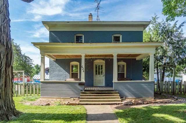 626 2nd Ave, Baraboo, WI 53913 (#1914581) :: Nicole Charles & Associates, Inc.