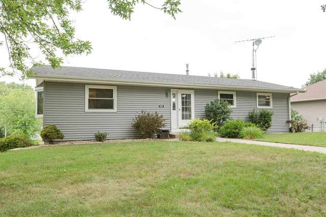 692 Maryville Heights Dr, Jamestown, WI 53811 (#1914664) :: RE/MAX Shine