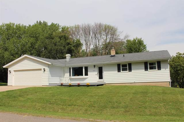3375 Kuehling Dr, Blooming Grove, WI 53558 (#1914911) :: Nicole Charles & Associates, Inc.