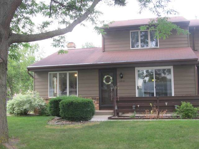 1410 Dayton Dr, Janesville, WI 53546 (#1915213) :: HomeTeam4u