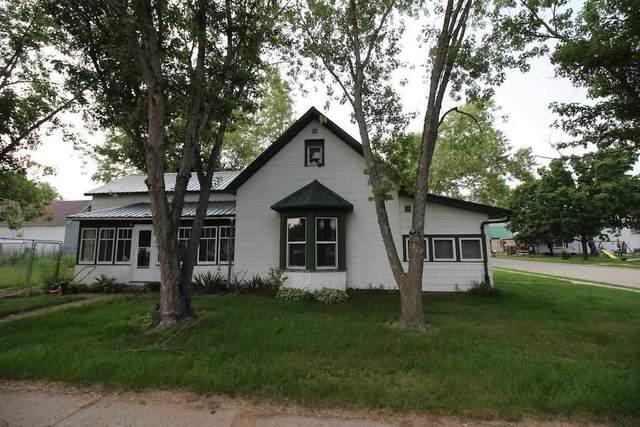303 N 3rd St, Muscoda, WI 53573 (#1915532) :: Nicole Charles & Associates, Inc.