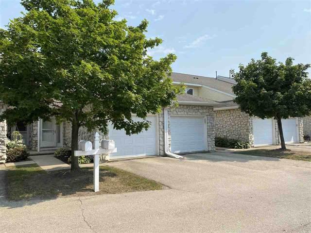 4442 Gray Rd, Windsor, WI 53532 (#1915642) :: HomeTeam4u