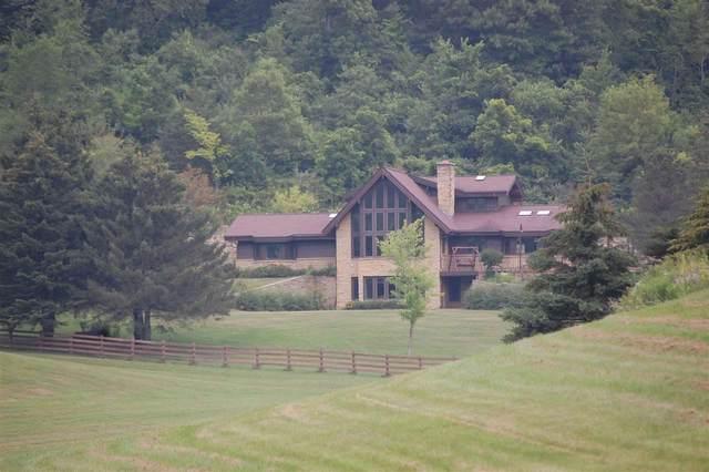 S10475 Cty Hwy G, Bear Creek, WI 53588 (#1915911) :: HomeTeam4u
