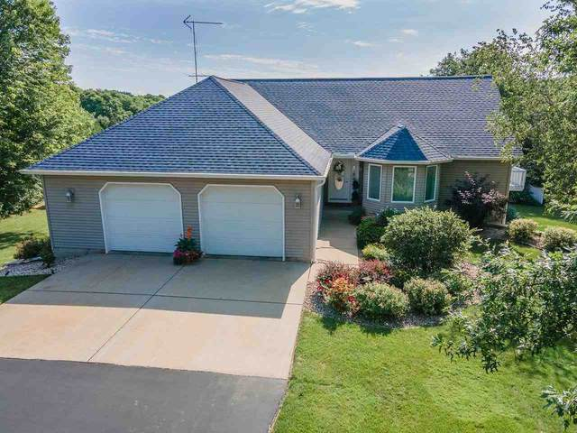 S3614 Pine Knoll Dr, Fairfield, WI 53913 (#1916170) :: RE/MAX Shine