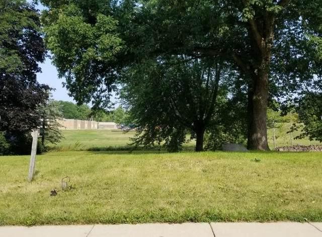 622 Woodview Dr, Sun Prairie, WI 53590 (#1917239) :: RE/MAX Shine