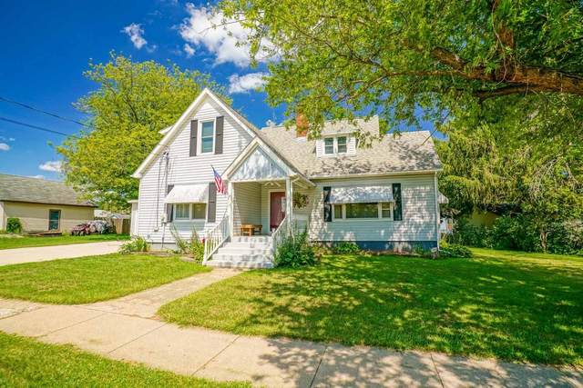 203 W State St, Albany, WI 53502 (#1917619) :: RE/MAX Shine