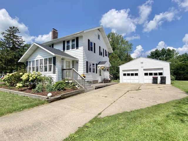 202 Milwaukee Rd, Clinton, WI 53525 (#1917689) :: Nicole Charles & Associates, Inc.