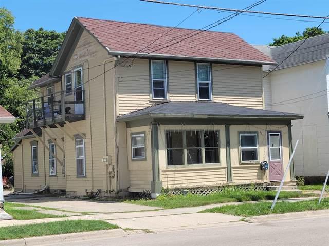 425 S Jackson St, Janesville, WI 53548 (#1917710) :: Nicole Charles & Associates, Inc.