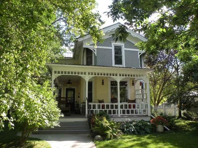 521 Liberty St, Ripon, WI 54971 (#1917854) :: Nicole Charles & Associates, Inc.