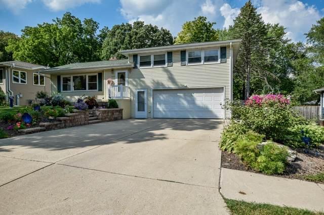 6420 Lakeview Blvd, Middleton, WI 53562 (#1917880) :: RE/MAX Shine