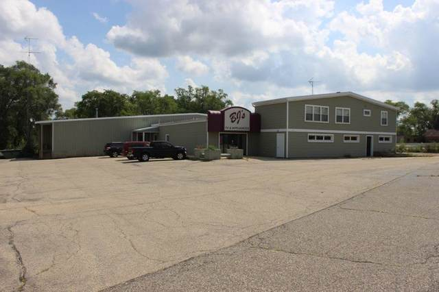 1411 New Pinery Rd, Portage, WI 53901 (#1918214) :: Nicole Charles & Associates, Inc.