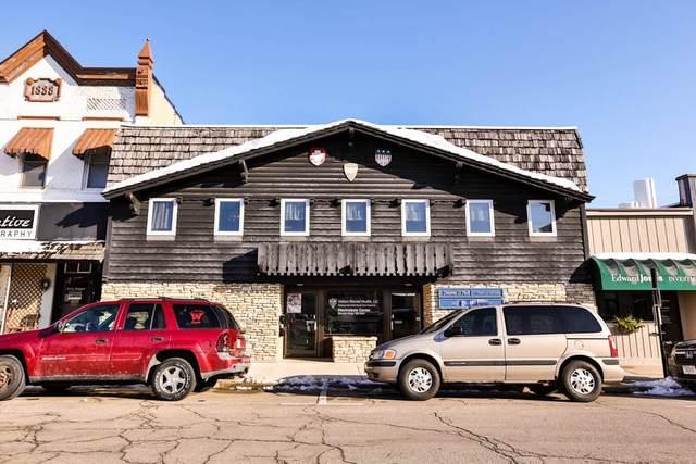 1118 17th Ave, Monroe, WI 53566 (#1918312) :: Nicole Charles & Associates, Inc.