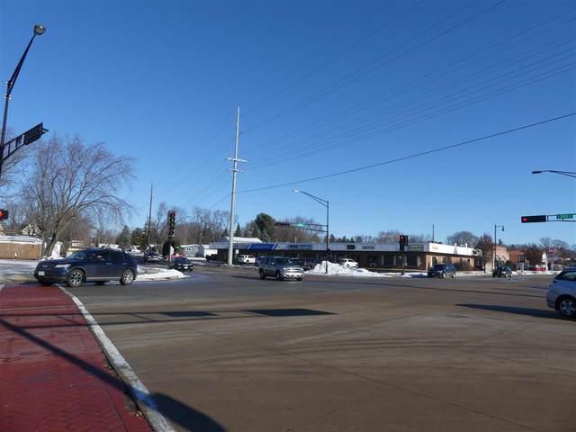 807 W Main St, Sun Prairie, WI 53590 (#1918385) :: Nicole Charles & Associates, Inc.