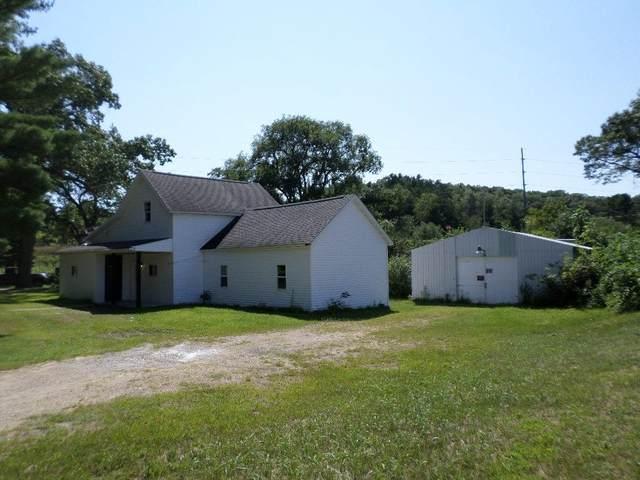 104 Wisconsin St, Camp Douglas, WI 54618 (#1918423) :: RE/MAX Shine