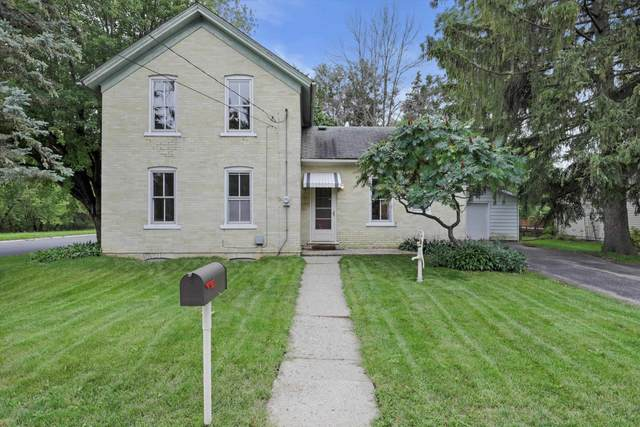 1001 Meadow St, Watertown, WI 53094 (#1918723) :: RE/MAX Shine