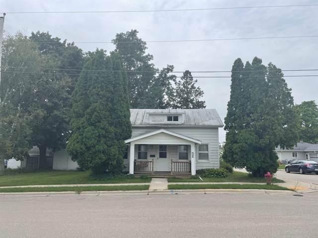 5 E Cedar St, Platteville, WI 53818 (#1918812) :: RE/MAX Shine
