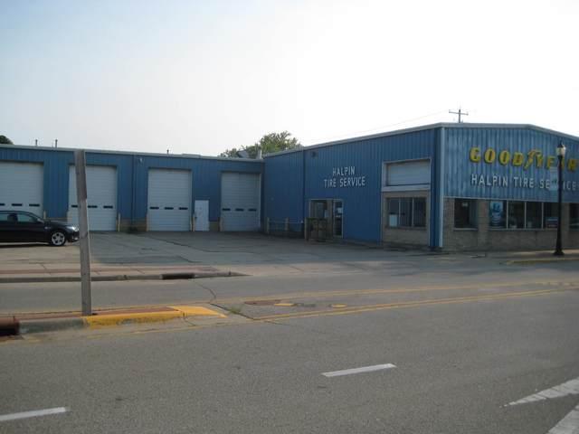 328 E Blackhawk Ave, Prairie Du Chien, WI 53821 (#1918862) :: Nicole Charles & Associates, Inc.