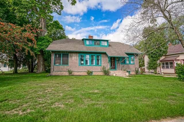182 Jones St, Sun Prairie, WI 53590 (#1919100) :: Nicole Charles & Associates, Inc.