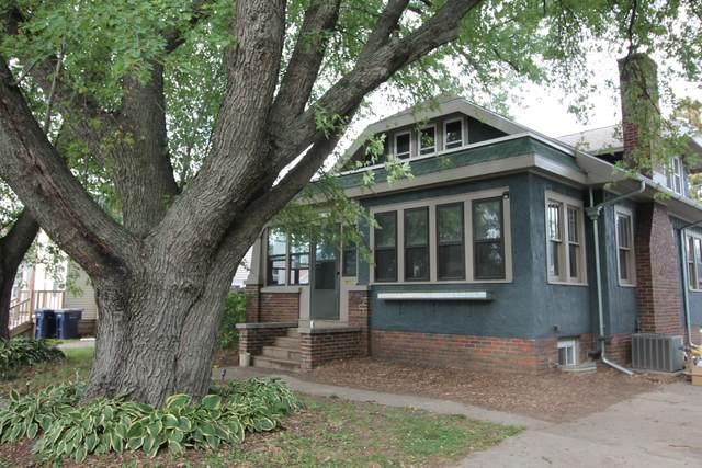 1247 Center Ave, Janesville, WI 53546 (#1919390) :: Nicole Charles & Associates, Inc.