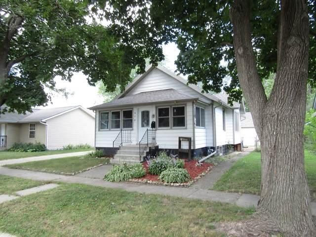378 Wilson Ave, Janesville, WI 53545 (#1919392) :: Nicole Charles & Associates, Inc.