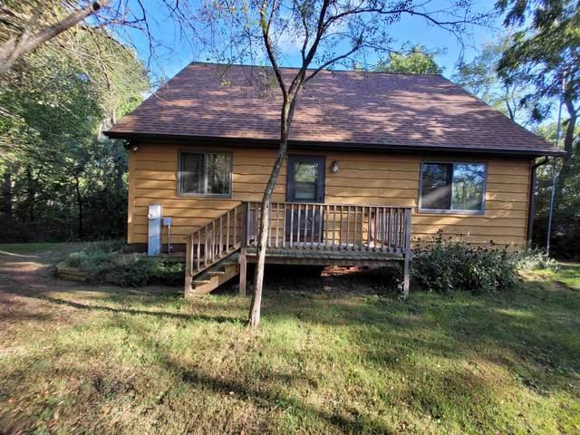 N6852 Lake Dr, Richmond, WI 53190 (#1919449) :: RE/MAX Shine