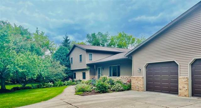 8449 Airport Rd, Middleton, WI 53562 (#1919530) :: RE/MAX Shine