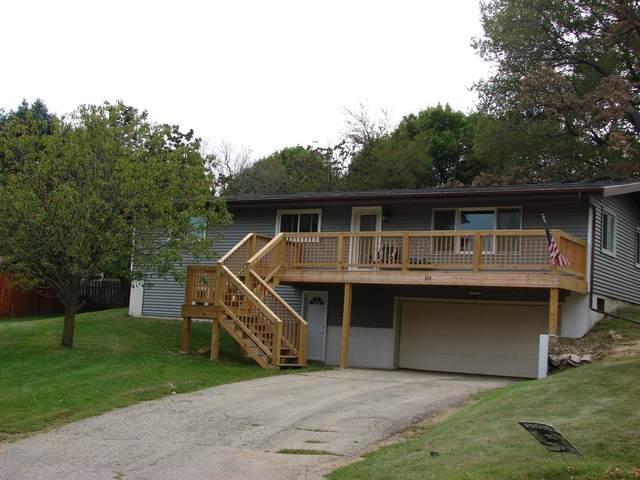 304 William St, Mineral Point, WI 53565 (#1919613) :: RE/MAX Shine